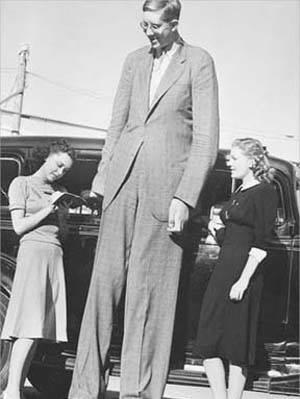 Dünyanın En Uzun Boylu İnsanı…
