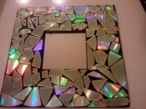 aynam 300x224 Aynaların Arkasındaki Sır Neden Yapılır?