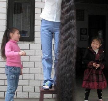 Neden İkisi de Kıl Olduğu Halde Saçımız Uzarken Kaşımız Uzamaz?