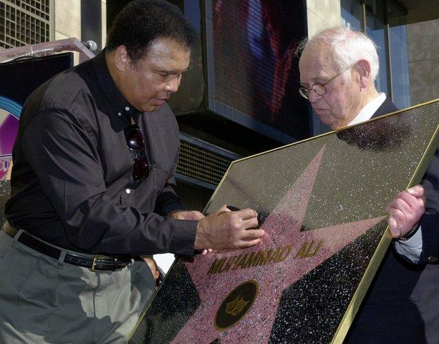 Boksör Muhammed Ali'nin Hollywood Yıldızı Neden Duvardadır?